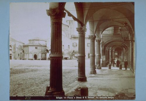Fotografia dell'Emilia/ Poppi, Pietro, Bologna, Veduta della piazza e della Basilica di Santo Stefano, Albumina su carta, CC BY-NC-ND