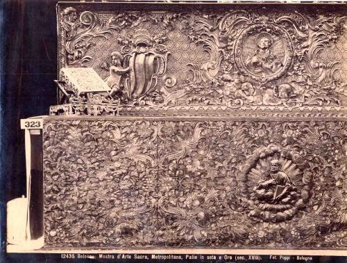 Poppi, Pietro, Bologna, Cattedrale di San Pietro, Paliotto in seta e oro del XVIII secolo, albumina/ carta, CC BY-NC-ND