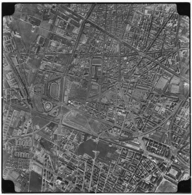 Ente Italiano Rilievi Aereofotogrammetrici Firenze, Veduta aerea della Circoscrizione 3 S. Paolo-Cenisia-Pozzo Strada-Cit Turin- Borgata Lesna, carta/gelatina, CC BY-SA