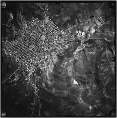 Aerofoto Consult, Grammichele (CT). La città e il territorio circostante, Gelatina ai sali d'argento/carta, CC BY-SA