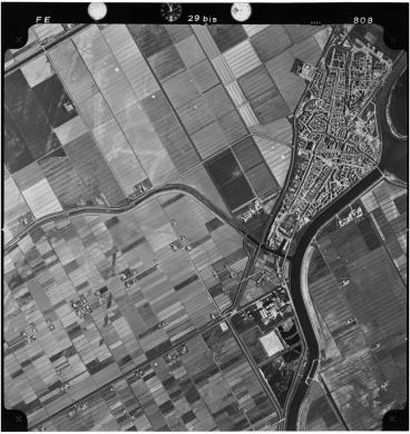 Comacchio (FE) e il canale navigabile di Valle Lepri, Gelatina ai sali d'argento-carta, CC BY-SA