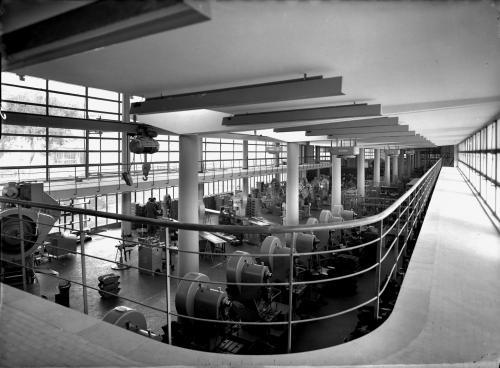 Parisio, Giulio, Interno stabilimento Olivetti di Pozzuoli, lastra al bromuro d'argento 13x18, CC BY-SA