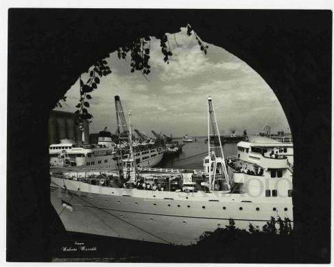 Umberto Mazzoldi, scorcio sul porto di Civitavecchia, gelatina ai sali d'argento/carta, CC BY-NC-ND