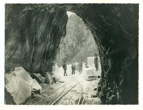La cava di marmo della ditta Giuseppe Franzoni, Forno di Massa, in allegato alla pratica di finanziamento IMI, 1939, gelatina ai sali d'argento/carta, CC BY-NC-ND