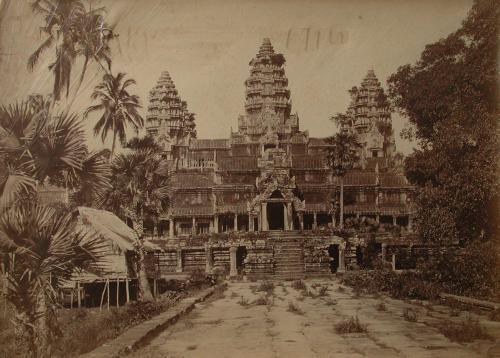 Gsell, Émile, Angkor-Wat, Cambogia. La facciata principale. Esplorazione Doudart de Lagrée-Garnier del Mekong nel Regno di Siam e Cambogia, albumina, CC BY-SA
