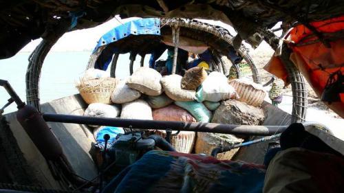Collettivo Semi Rari, Progetto Fiume Niger - Trasporto del raccolto con piroga collettiva, Digitale, CC BY-SA