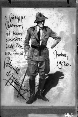 Krivec, Francesco, Fotografia autografata da Gabriele d'Annunzio, ante 1920, negativo, CC BY-NC-ND