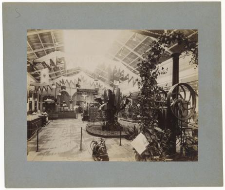 anonimo, Galleria dell'elettricità all'Esposizione Generale del 1884, 1884, albumina, CC BY-SA