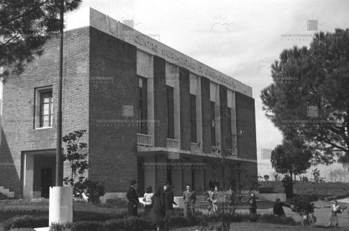 Centro Sperimentale di Cinematografia. Facciata esterna. Anni '50, CC BY-SA