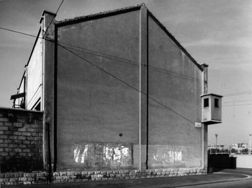 Basilico, Gabriele, dalla serie Milano. Ritratti di fabbriche 1978-1980, gelatina ai sali d'argento / carta / cornice, CC BY-NC-ND