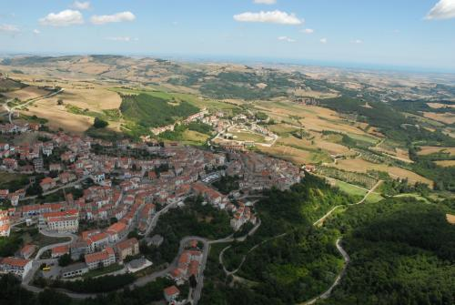 Epifani, Vito, Bonefro (CB) - Foto aerea centro abitato, foto digitale, CC BY-SA