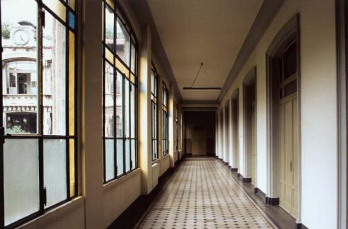 Nicolini, Toni, Brefotrofio, Milano. Dalla serie Architetture del Milanese, stampa cibachrome/ilfochrome / carta, CC BY-NC-ND