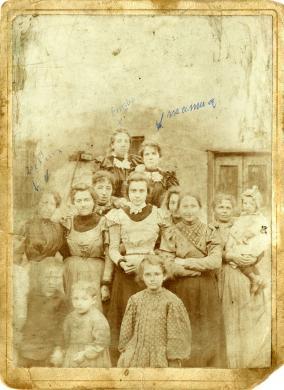 Anonimo, Ritratto di famiglia dalla Raccolta Gianni Siviero, albumina / cartoncino, CC BY-NC-ND