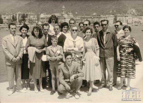 Fondo Donazioni - Cral di Apuania in gita a Rapallo, 1956, gelatina bromuro d'argento, CC BY-NC-ND