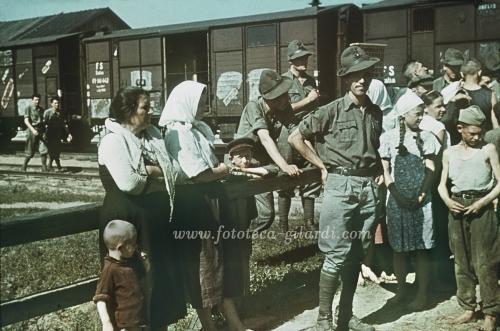 Ucelli, Gianfranco, Rientro in patria degli alpini dalla Russia, 1942, Fotografia, CC BY-NC-ND