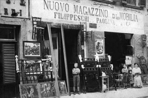 Sconosciuto, Fabbrica di Mobili, 1900 secolo, CC BY