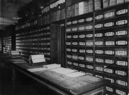 Canonica, Pietro, L'archivio polizze della sede delal Società Reale Mutua di Assicurazioni in Via delle Orfane 6, Torino, 1929, foto ai sali d'argento, CC BY-NC-ND