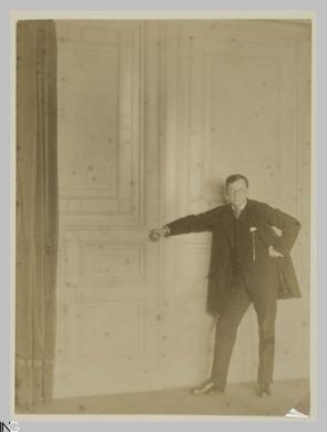 Gustavo Bonaventura (Verona, 1882 - Roma, 1966), Ritratto di Hugo Erfurth, eseguito nell'atelier del collega, 1909, carta salata, CC BY-SA