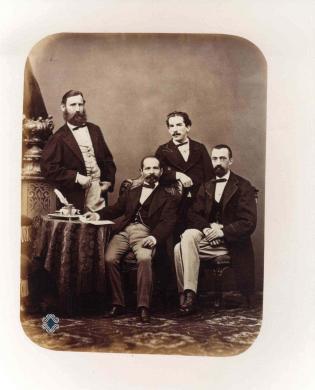 Fotografia F.lli Clerici (?), Ritratto di gruppo degli impiegati degli stabilimenti monetari di Milano, 1868, albumina, CC BY-NC-ND