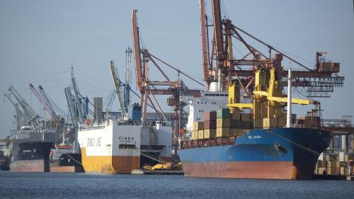 Marco Caselli Nirmal, Ravenna - porto commerciale, navi mercantili, 2010, CC BY-SA