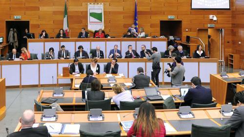 Serra, Roberto, Bologna - Sala Assemblea Legislativa - seduta consiliare, 2015, CC BY-SA