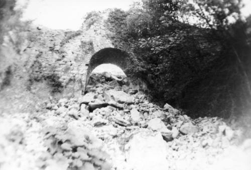 Capasso, Genesio, Acquedotto medioevale, foto b/n, CC BY-SA