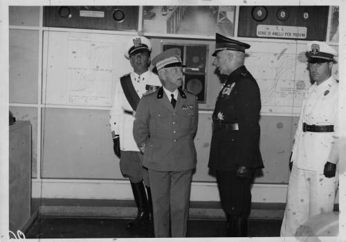 Il Re D'Italia Vittorio Emanuele III in visita all'Istituto Elettrotecnico Nazionale Galileo Ferraris, 1939, CC BY-SA