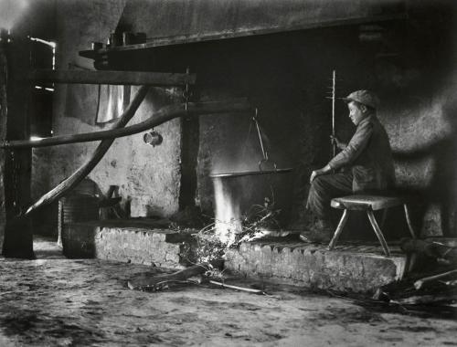 Andreis, Felice, La ricotta, San Donato, GR, 1933, Stampa vintage al bromuro d'argento (36x29 cm), CC BY-SA
