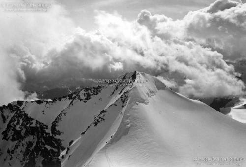 Corti, Alfredo, La vetta del Piz d'Argient, 3943 m, dalla vetta del Piz Zupò, Gelatina ai sali d'argento su carta, CC BY-SA