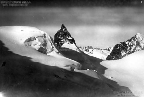 Corti, Alfredo, Cresta Guzza, 3870 m, versante orientale, 08/1910, Gelatina ai sali d'argento su carta, CC BY-SA