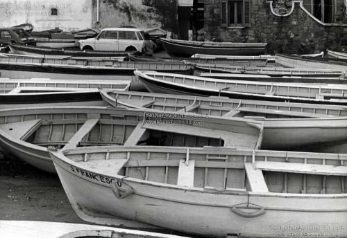Maggia, Federico, Barche in un porto ligure, 1978, Gelatina ai sali d'argento su carta, CC BY-SA