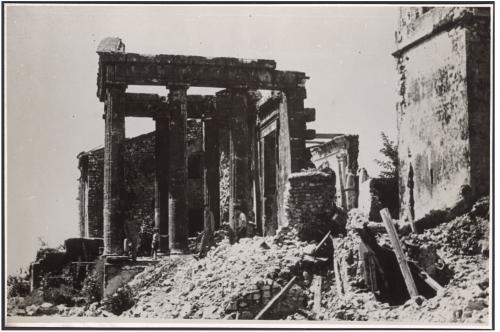Bolzano, S. Nicolò, beside the Cathedral, between 1945 and 1946 John Bryan Ward-Perkins Collection, War Damage Series, wpwar-0368, CC BY-SA