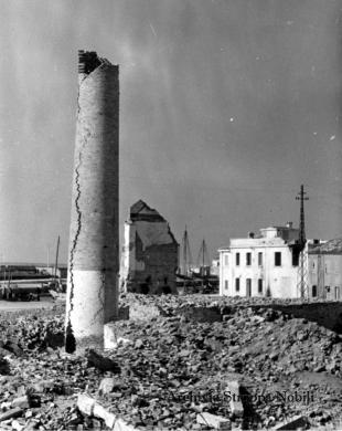La guerra a Pesaro: la filanda distrutta, 09/1944, CC BY-SA