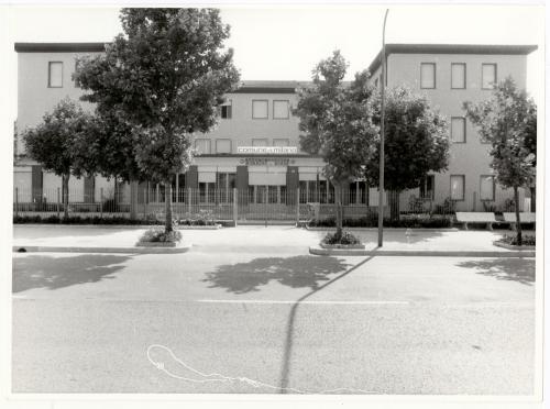 Colonia Sorriso dei bimbi di Cesenatico, 1985 circa, positivo alla gelatina a sviluppo, CC BY-SA