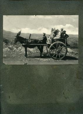 Giovanni Crupi (Taormina 1859  - 1925), Copertina di un album completo composto da n. 48 stampe di vedute siciliane, 1900 circa, Stampa al bromuro da lastra bianco e nero negativo originale, CC BY-SA