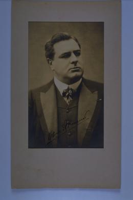 Vittorio Arimondi, basso, 1900 circa, gelatina a sviluppo ; 238x141 mm, CC BY-NC-SA