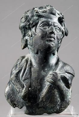 Museo Archeologico Regionale Paolo Orsi, busto di satiro - da Siracusa, relitto presso Ognina. Fine II-Inizi III sec. d.C., fotografia still life, CC BY-NC-ND