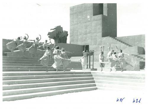 Angelo Maltese, Teatro greco di Siracusa. Aiace di Sofocle. Le danze rosalie chladek, 1939, CC BY-SA