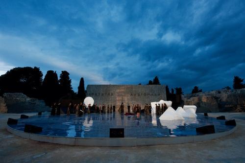 Tommaso Le Pera, Teatro greco di Siracusa. Andromaca di Euripide. Regia di Luca De Fusco, 2011, CC BY-SA