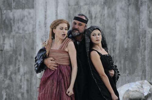 Gianni Luigi Carnera, Teatro greco di Siracusa. Antigone di Sofocle. Regia Cristina Pezzoli, 2013, CC BY-SA