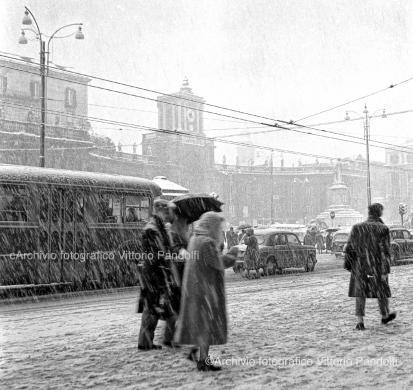 La nevicata del '56 in piazza Dante, CC BY-SA